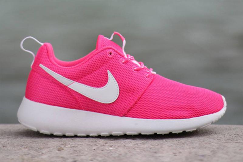 Nike Roshe Run GS «Hyper Pink»