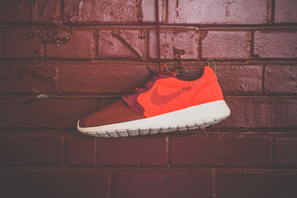 nike-roshe-run-hyperfuse-team-red-5