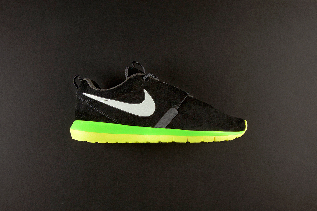 Nike Roshe Run NM Black/Volt