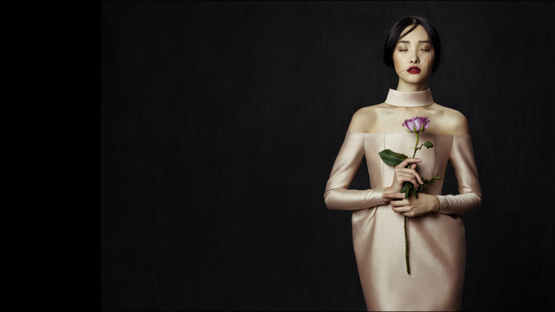 La Mode du Monde entier à l'honneur lors de la World Fashion Week lors d'une exposition permanente