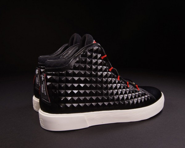 IFWT_nike-lebron-xii-12-nsw-lifestyle-qs-black-red-04-600x480