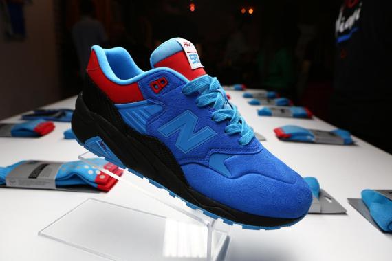 shoe-gallery-new-balance-580rev-tour-de-miami-02-570x380