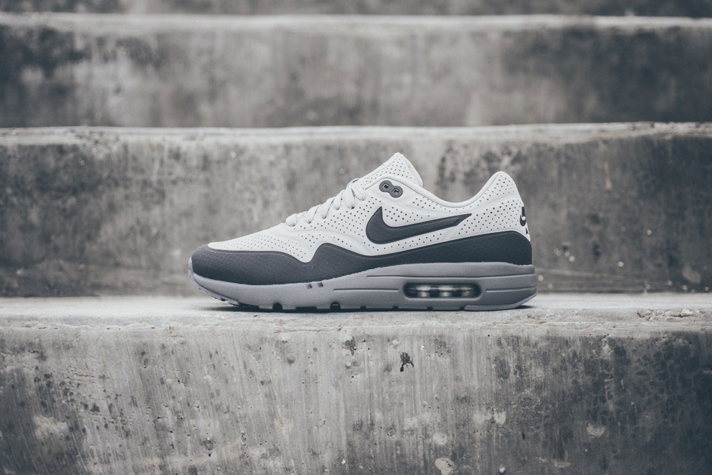 nike-air-max-1-ultra-moire-grey