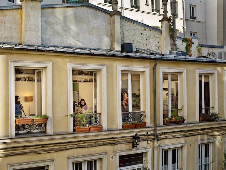 Vis-à-vis, une fenêtre intime au coeur de Paris