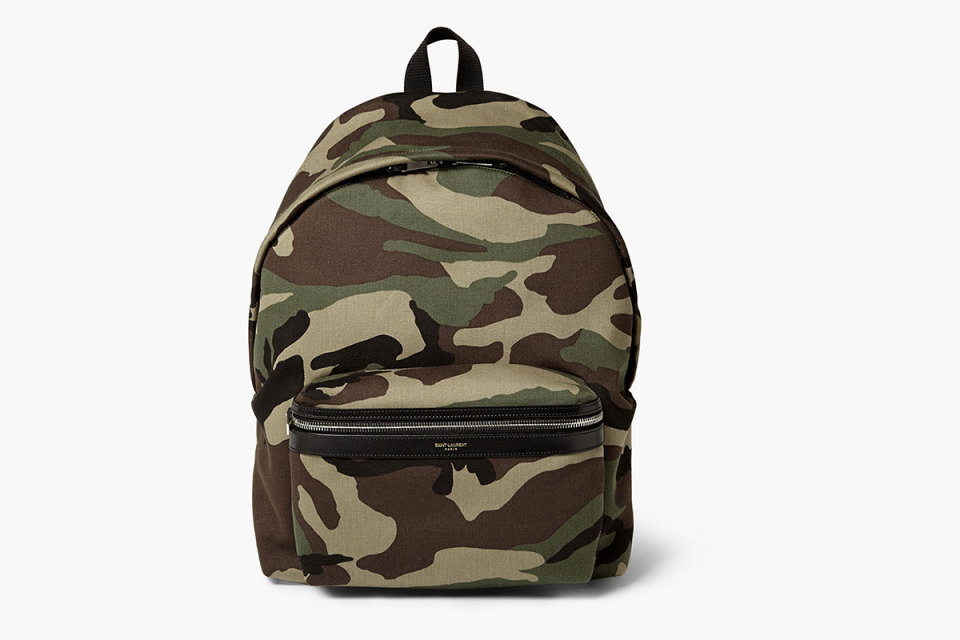 Le sac à dos camo de Saint Laurent