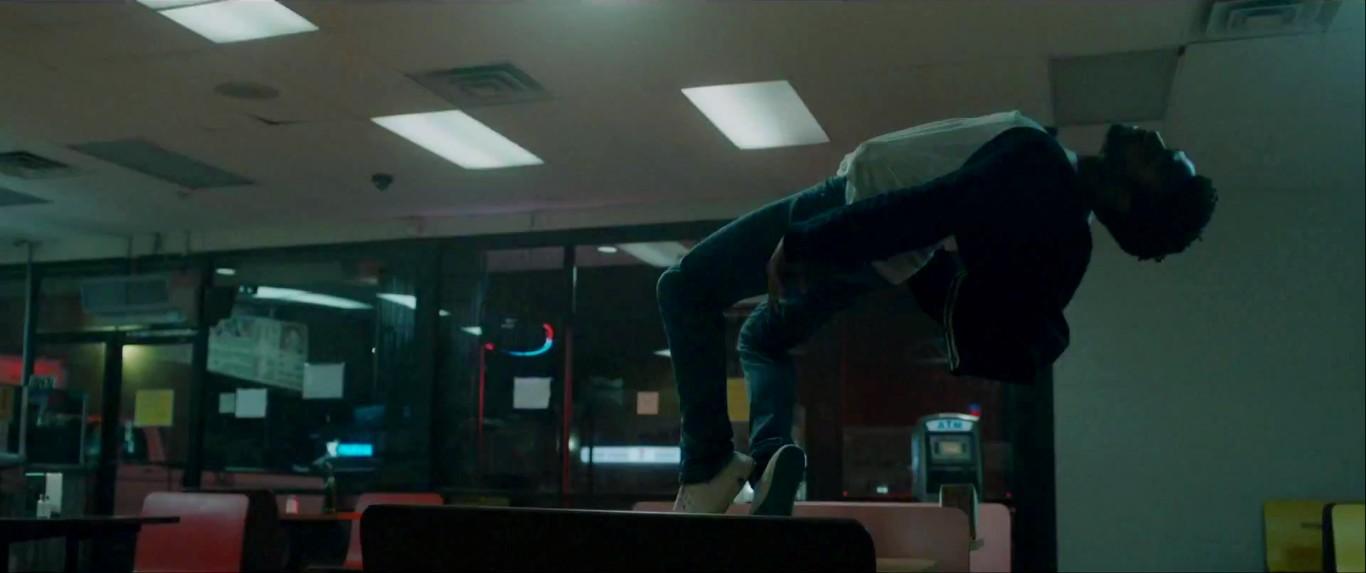 Childish Gambino complétement «high» dans son nouveau clip «Sober» !