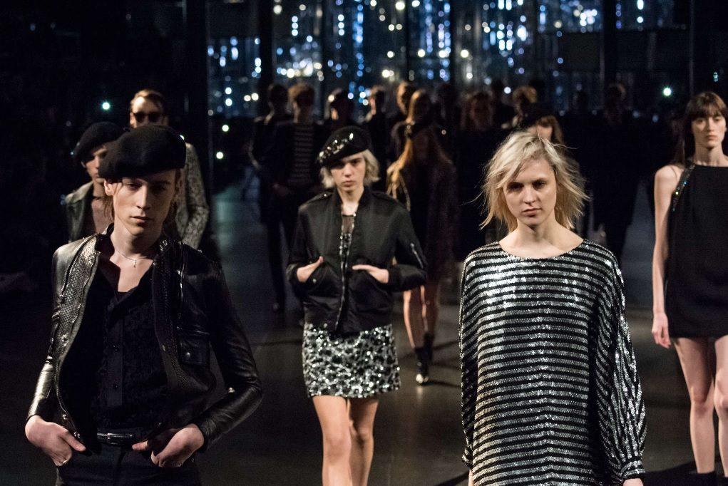 Saint Laurent – Collection A/H15 : Silhouettes longilignes et androgynes