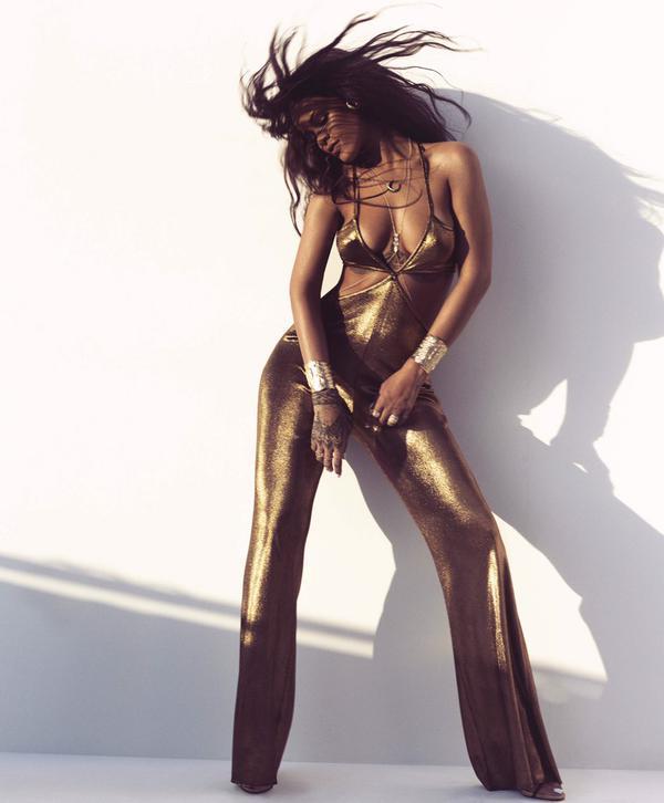 Rihanna en Une d'Harper's Bazaar