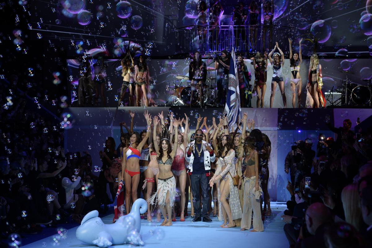 Fashion Week de Paris: Le show explosif d'Etam Lingerie