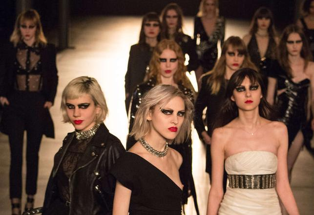 Saint Laurent – Une collection rock, punk et nuancée par Hedi Slimane