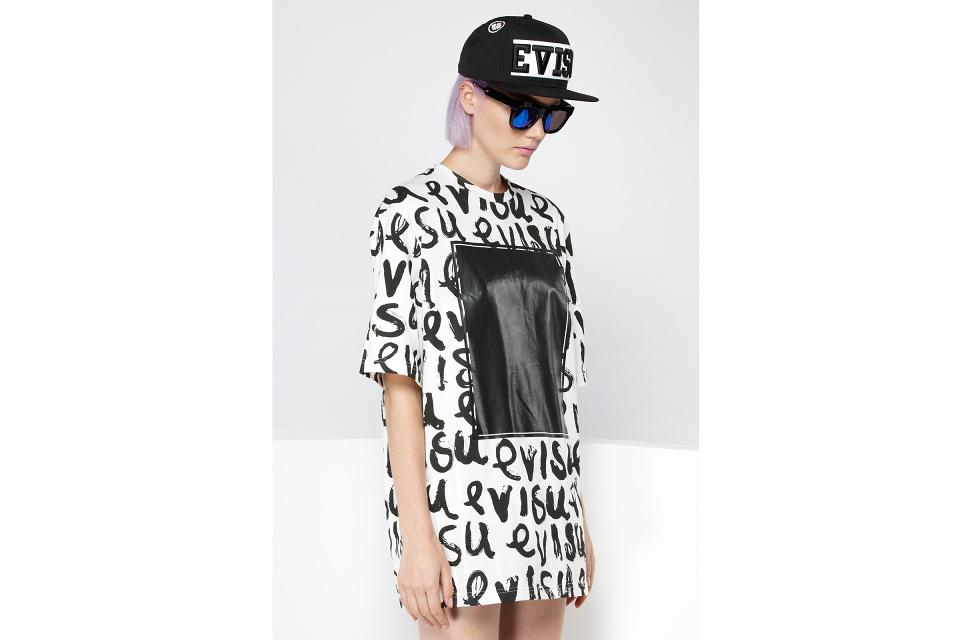 Collection de casquettes : EVISU x New Era