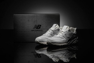 new balance MRT580XX all-white