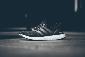 adidas Ultra Boost Black/White