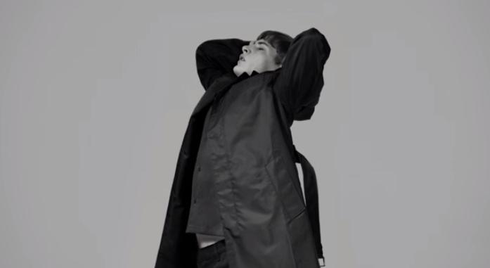 PRADA réunit sa collection Homme 2015 en vidéo