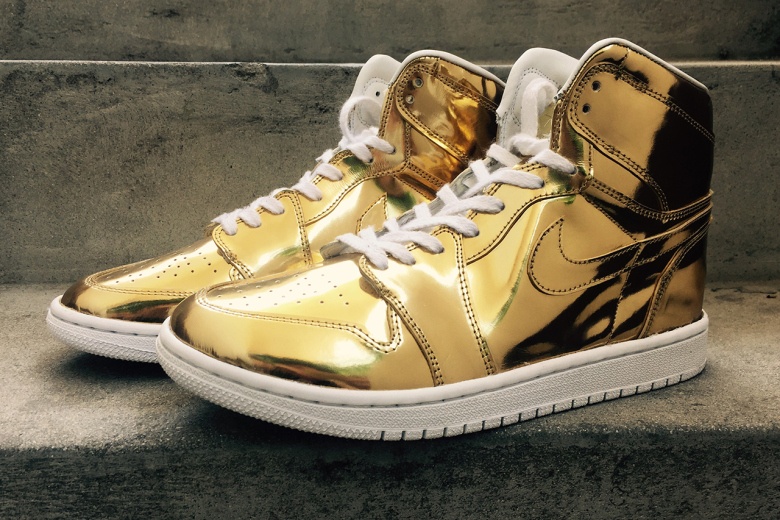 Air Jordan 1 «Liquid Metal» : on poursuit la série dorée !