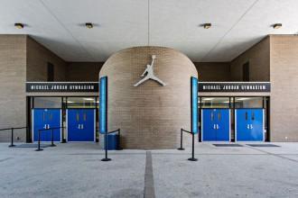 Jordan Brand renove le lycée de Michael Jordan pour les 30 ans de la marque
