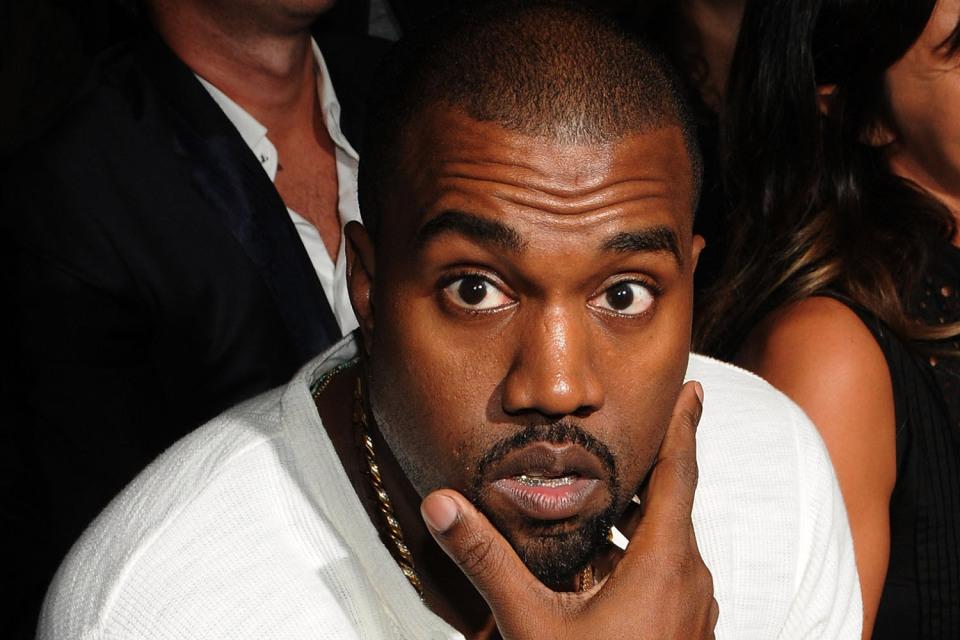 Kanye West aperçu avec un nouveau colorway pour les Yeezy Boost 350 !