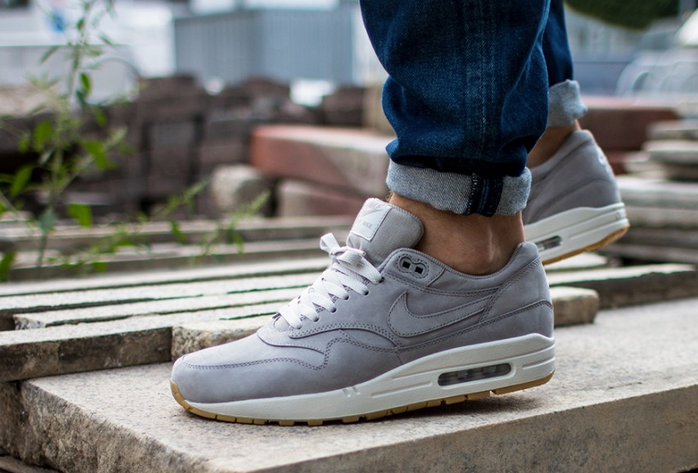 Back to Basics : Nike Air Max 1 LTR Premium Medium Grey