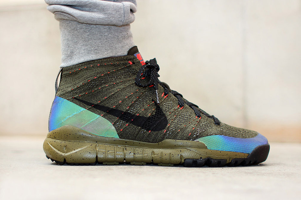 La Nike Flyknit Chukka FSB équipée de talons holographiques