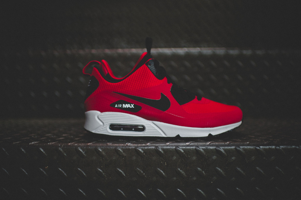 Nike nous emporte avec sa Air Max 90 SNEAKERBOOT GYM RED