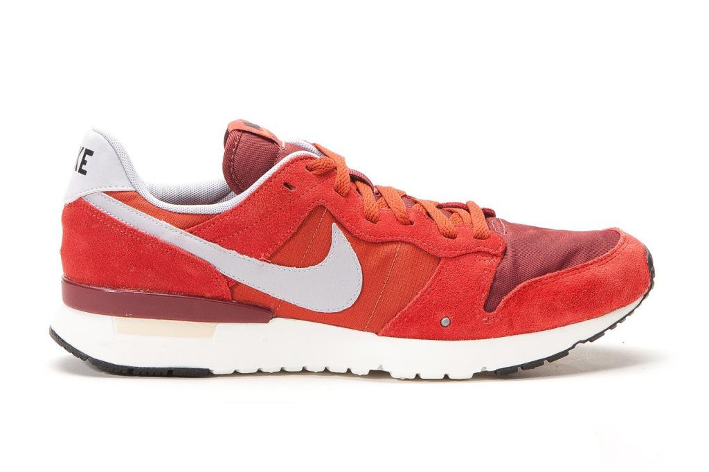 Nike, plus que rétro avec la Archive '83 Game Red/Wolf Grey