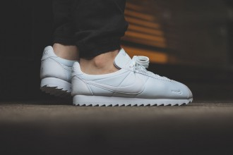 nike-classic-cortez-shark-low-all-white-01