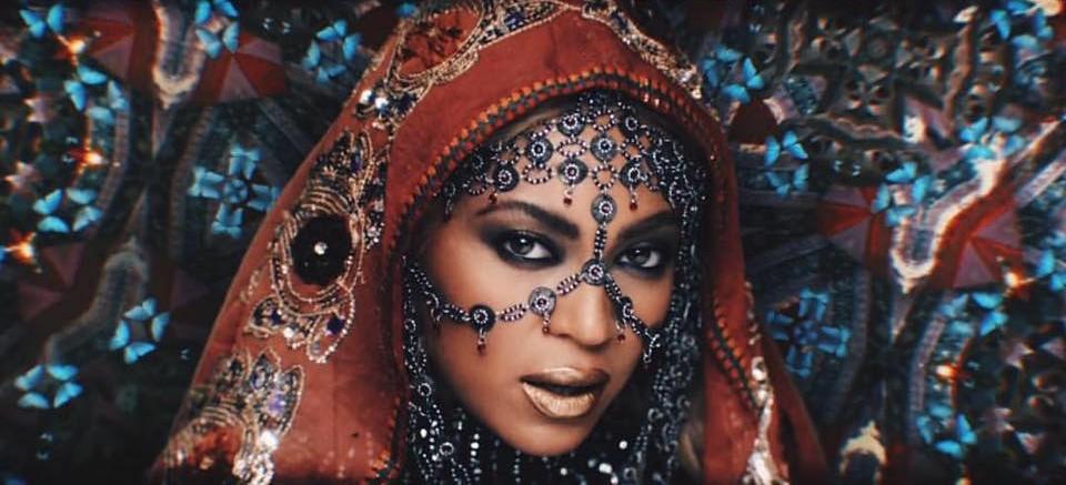 Hymn for the Weekend : direction l'Inde pour le clip de Coldplay et Beyoncé
