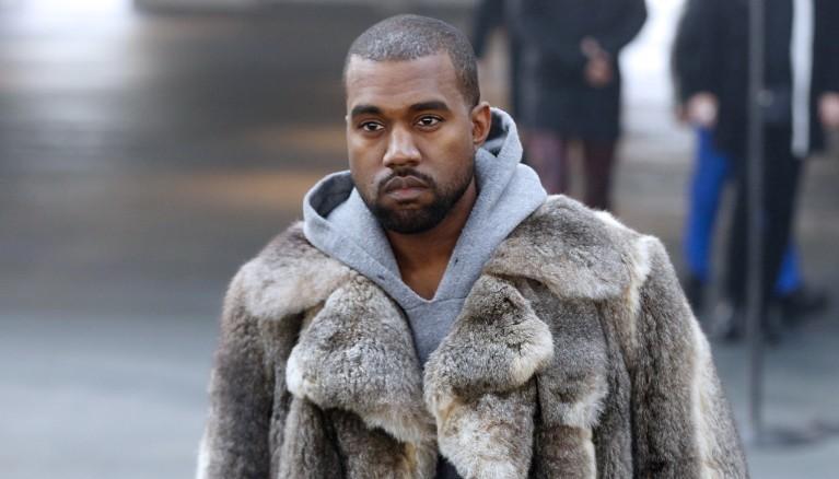 Kanye West annonce la date de sortie de Swish, et c'est …