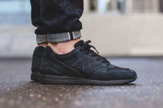"New Balance dévoile la nouvelle MRL996KP ""All Black"""