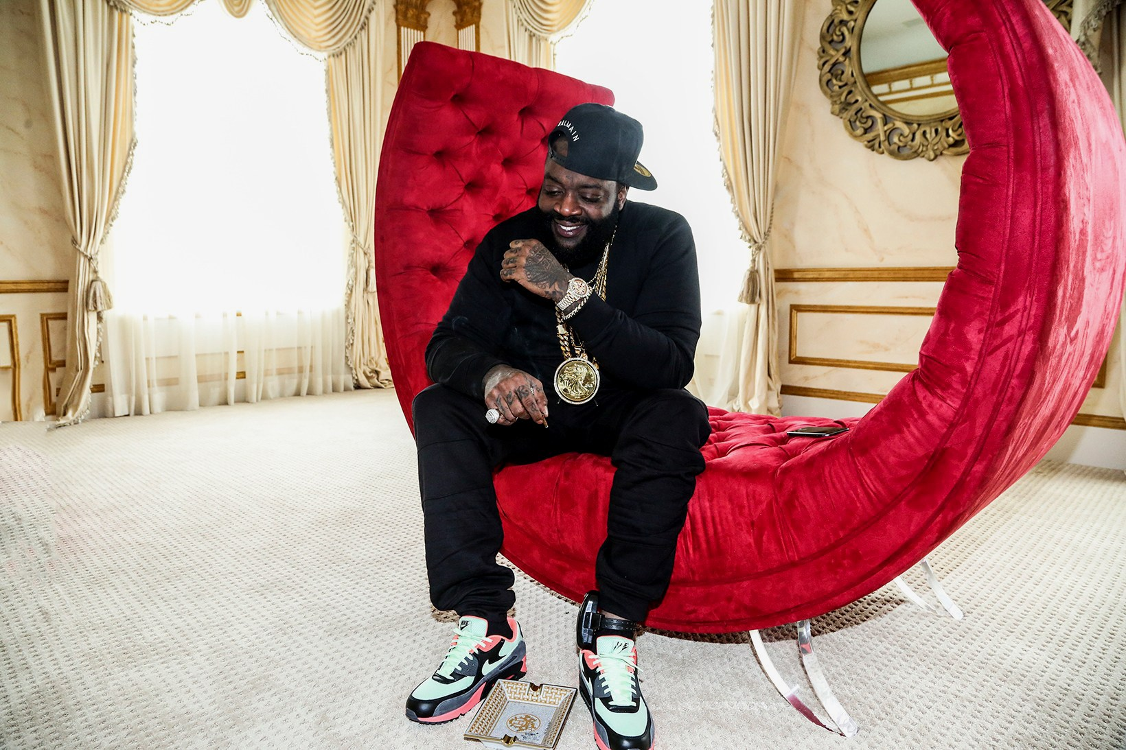 Rick Ross reprend le titre «Famous» de Kanye West et Rihanna