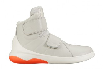 Nike Marxman : une nouvelle sneakers futuriste sans lacets !