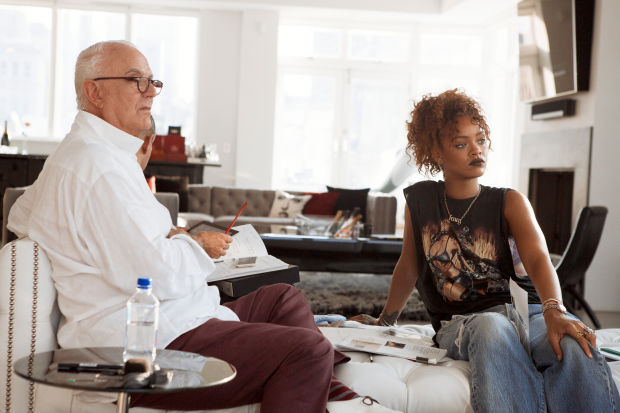 Rihanna en collaboration avec Manolo Blahnik