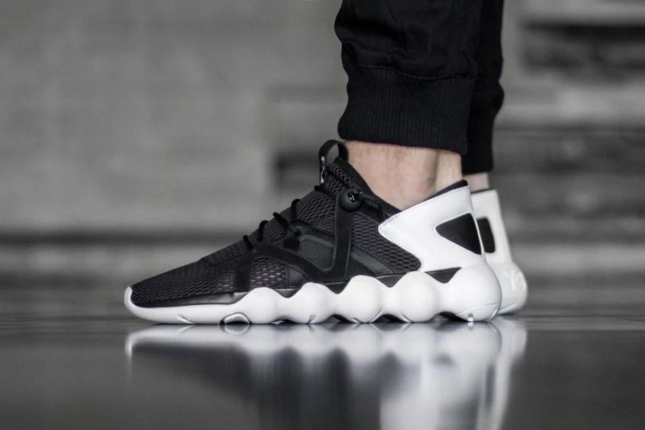 Adidas et Y-3 avant gardistes avec la Kyujo Low «Black/White»