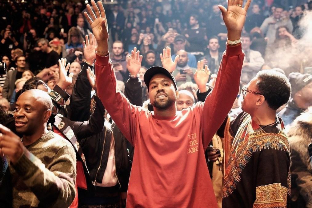 Kanye West n'a pas fini de nous gâter et dévoile le nouveau son «Ultralight Prayer»