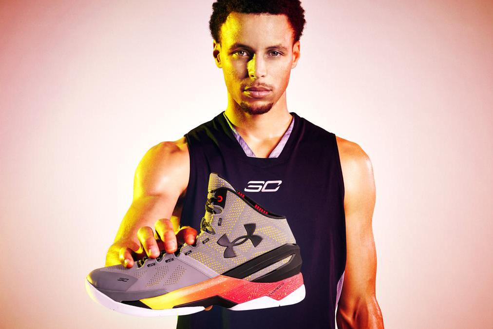 C'est Officiel, Stephen Curry vend plus de sneakers que LeBron James aux USA !