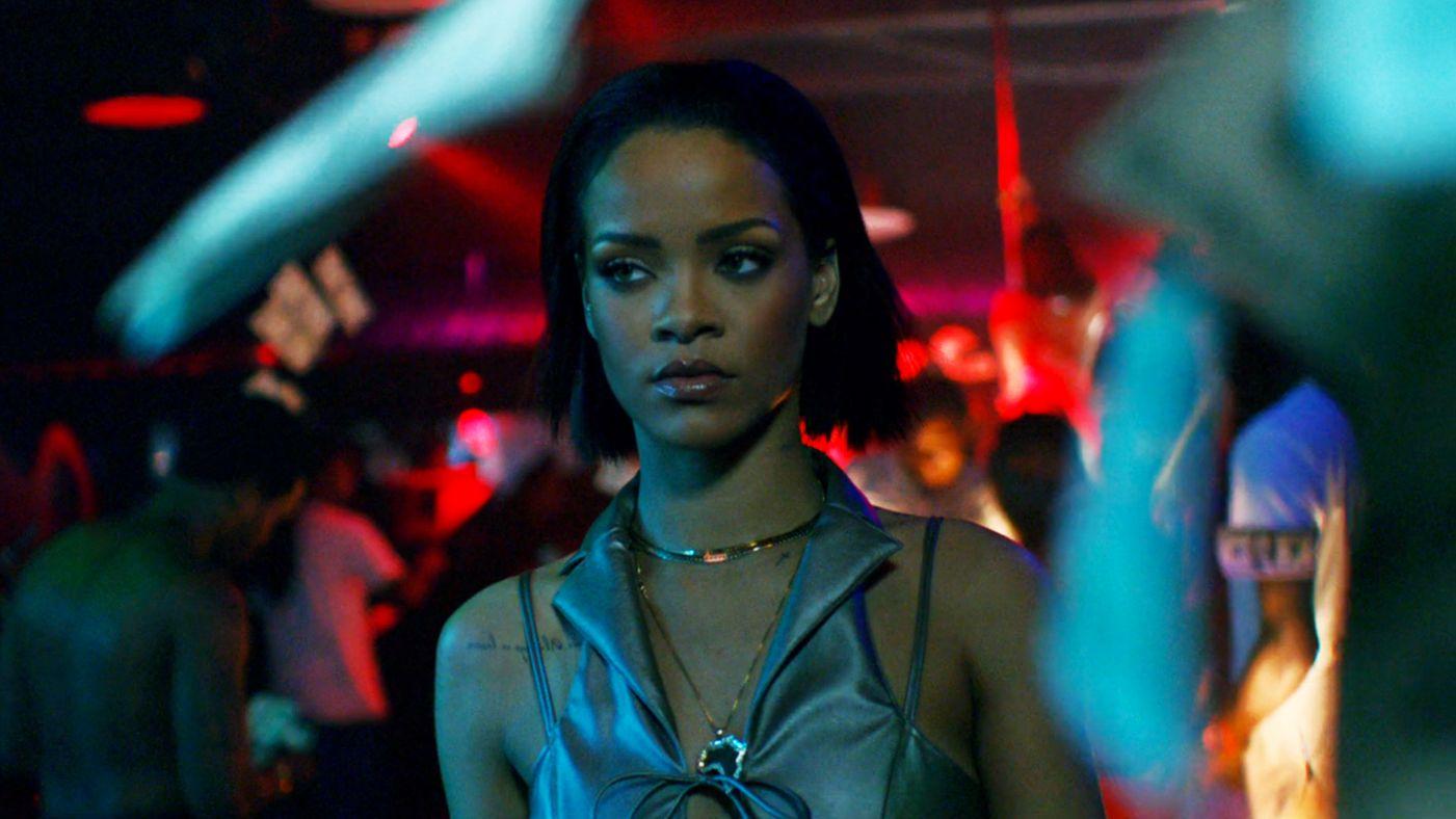 Rihanna plus femme fatale que jamais dans le clip de Needed Me