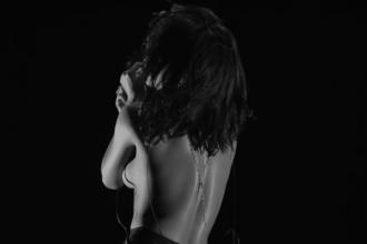 rihanna-trendsperiodical-naked