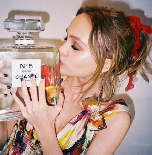 Lily-Rose Depp : Nouvelle égérie Chanel N°5