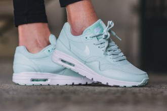 nike-air-max-1-ultra-essential-fiberglass-1