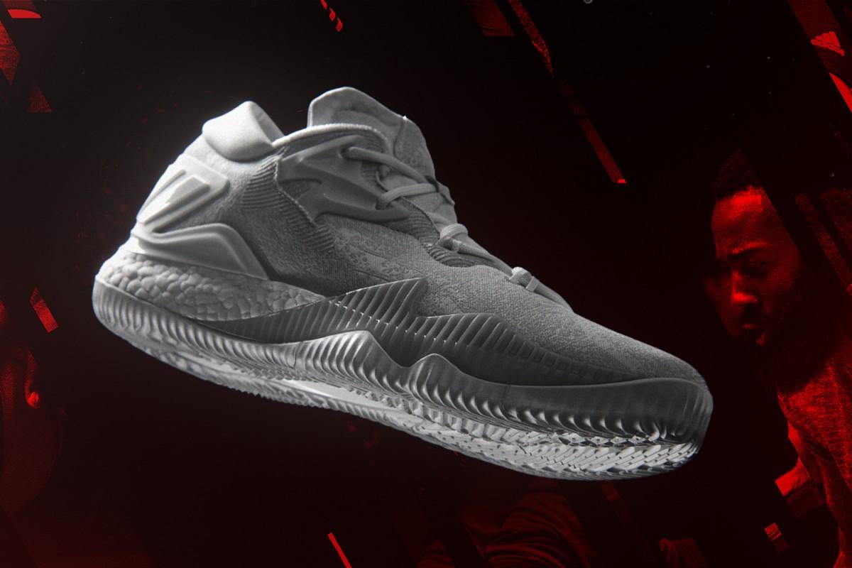Adidas sort une nouvelle sneakers, la Crazylight Boost 2016