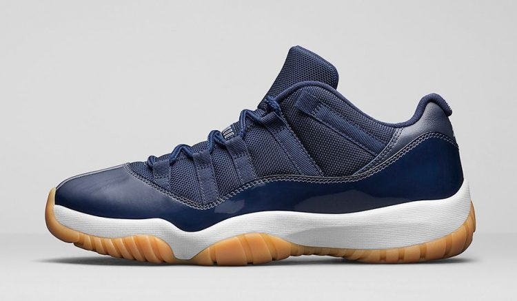 La Air Jordan 11 retro Low White/Red et Midnight Navy est tombée