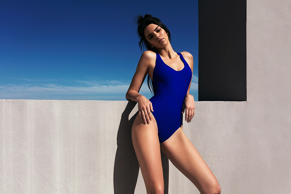 Kendall et Kylie Jenner sortent leur collection de maillot de bain