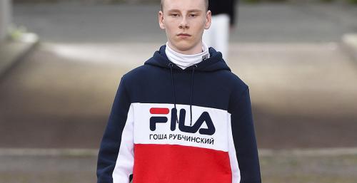 Découvrez le Report photo du défilé Gosha Rubchinskiy à la Fashion Week de Florence