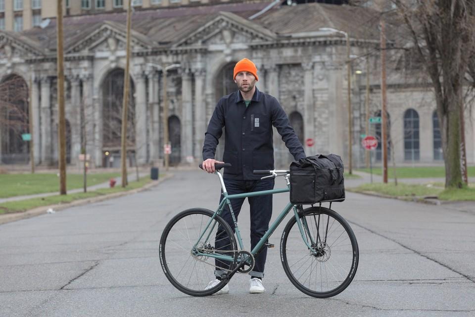 Carhartt WIP x Pelago Bicycles sortent une collection capsule autour du vélo