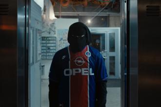 violence en reunion vincent cassel burka clique