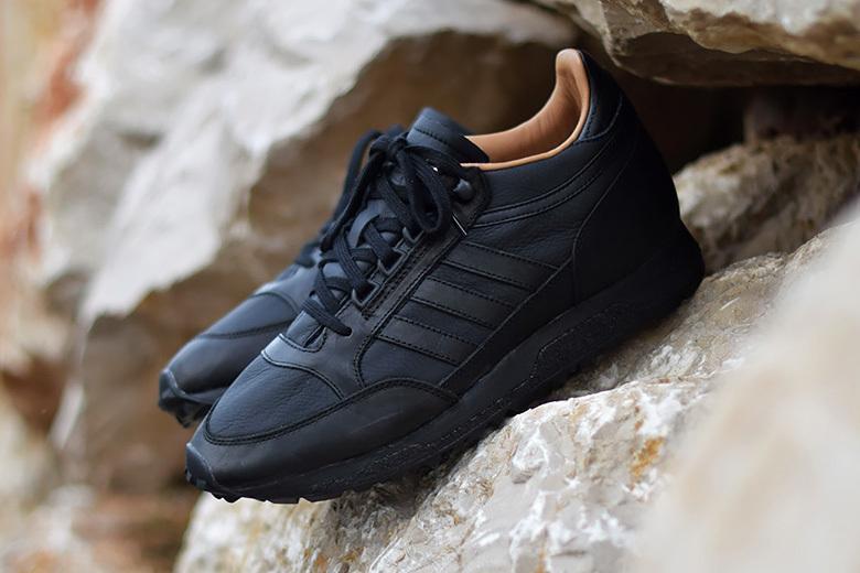 La nouvelle adidas Mounfield SPZL «Core Black»