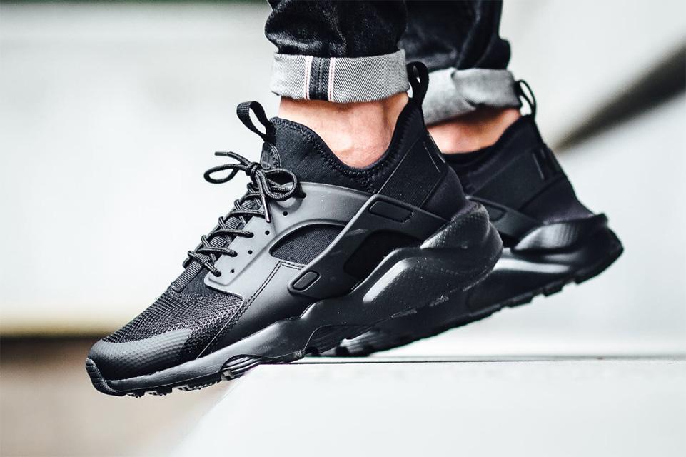 La Nike Huarache Ultra «Triple Black» enfin disponible !