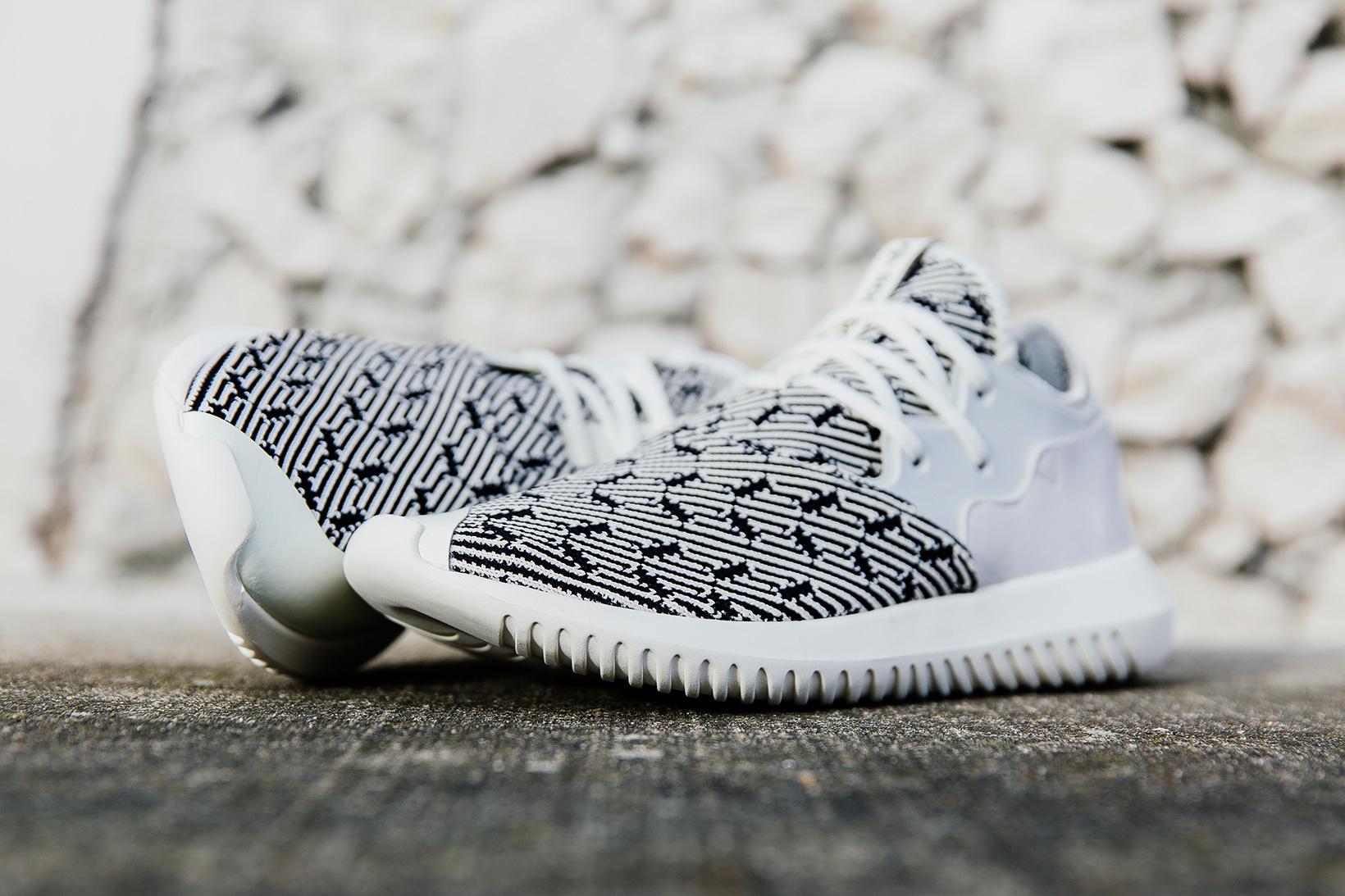 La très belle adidas Tubular Entrap Primeknit Off White