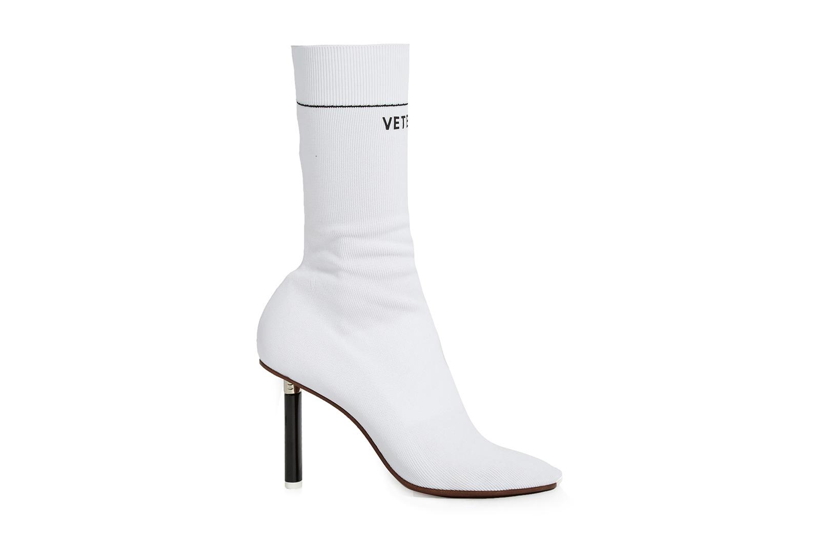 Les Sock Ankle Boots de VETEMENTS de retour en bleu, blanc et rouge